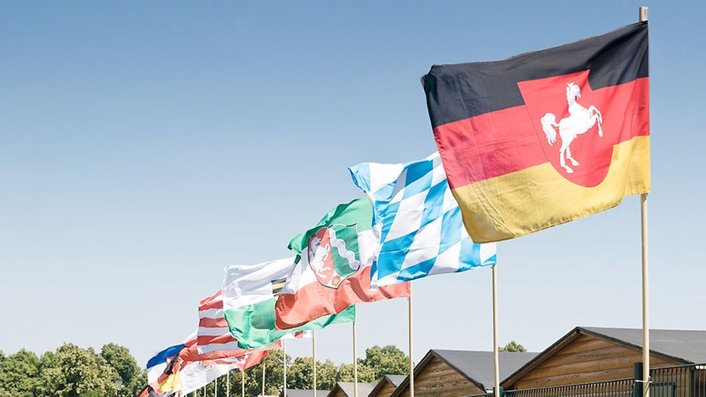 Flaggen der Bundesländer / Flags of the 16 federal states of Germany